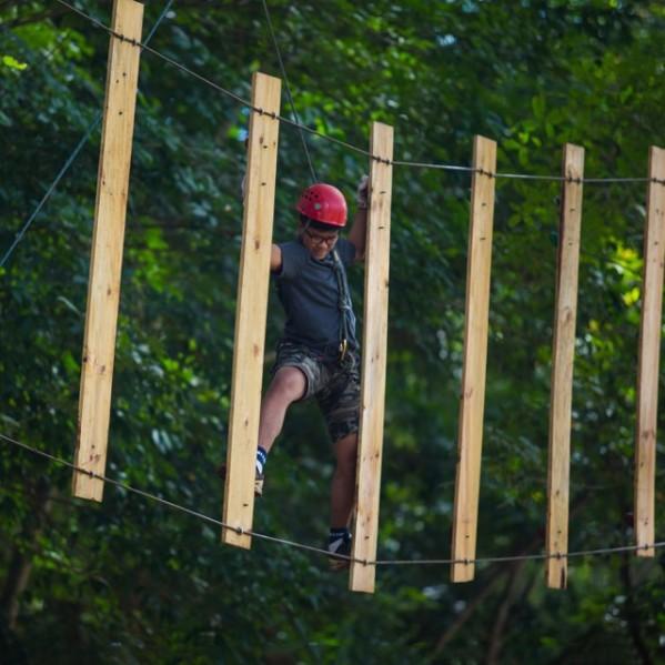 superadventure-smg hanging traverse